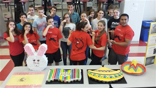 Spanish Club Students Celebrating Cinco de Mayo